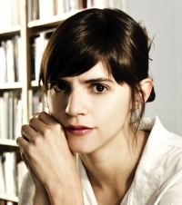"Photo of Valeria Luiselli, author of ""Tell Me How It Ends"""