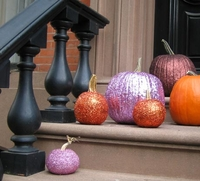 glitter pumpkins from apartmenttherapy.com
