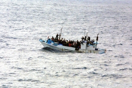 Refugee boat (creative commons)
